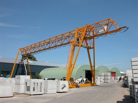 Gantry crane - Niemans Beton BV - Vianen