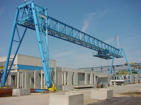 Gantry crane - Schokbeton - Zwijndrecht